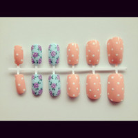Rose and polka dots nail set