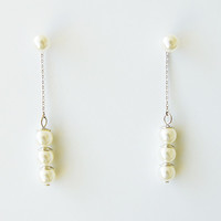 Dangling Pearls 2 way wear earrings platinum plated