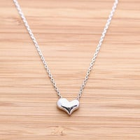 EMBOSSED HEART necklace, in silver