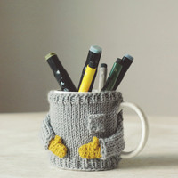 Cozy Mug Sweater, in Light Grey