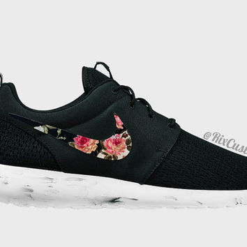 Roshe Run Floral Black White Custom Roses