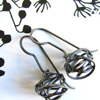 Supermarket - knots earrings in black sterling from *snou*