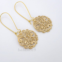 Gold earrings, filigree spray pattern disc, kidney, by balance9