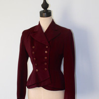 Vintage 1940s suit jacket . WWII era 40s burgundy red nipped waist double breasted dress jacket . fitted blazer . size Small