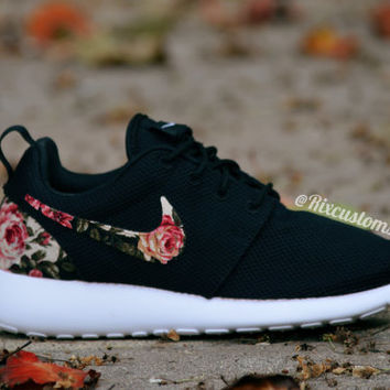 Floral Roshe Run Custom Black White Roses