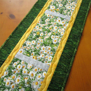 Table Runner Floral Spring White Flowers Handmade Quilted Home Decor Table Linen
