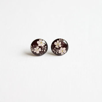 12,5 mm small flower studs, flower stud earrings, brown studs, brown stud earrings, flower posts, brown posts, gift ideas, gift for her