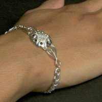 Flower Bracelet, Sterling Silver Beveled Curb with Lobster Clasp -- Size: 7in x 5.5mm