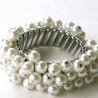 Vintage Silver Tone and Faux Pearl Stretch Bracelet