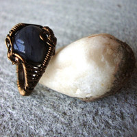 Antique Brass and Stone Ring by Chellyboutique on Etsy