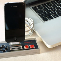 Nintendo Controller iPhone Dock