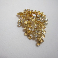 Vintage Jewelry Brooch Pin gold tone rhinestone leaf design costume jewelry