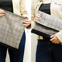 SALE - Large Zipper clutch - Light plaid twill iPad case, winter fabric iPad sleeve, clutch