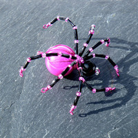 Hot Pink &amp; Black Beaded Spider Pendant