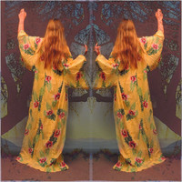 Huge vintage colourful cotton kimono / Oversize Japanese oriental duster robe in tropical print /sunny yellow / pink flowers green palms