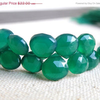 51% OFF Green Onyx Gemstone Briolette Faceted Heart Emerald Green 7mm 1/2 Strand 27 beads