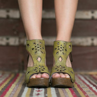 Hand Cut Leather Wedges, Hand Made Clogs, Wooden Heels, Leather Heels in Yellow in Size 7.5 (SHOE-3990)