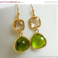 AUTUMN SALE - Autumn Fashion Champagne with Apple Green Drop Earrings - bridesmaid gifts, wedding earrings, bridal jewelry, christmas gift