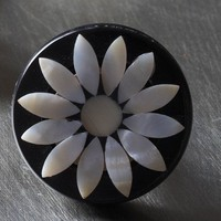 Round Mother Of Pearl Flower Door Knob