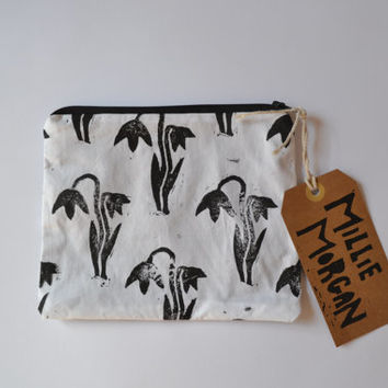 Hand printed  hand made zip purse / zip pouch / coin purse / clutch / Block printed snow drop design