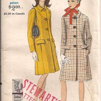 Vintage Sewing Pattern 1960s Vogue 7003 Coat by PleasantlyRecycled