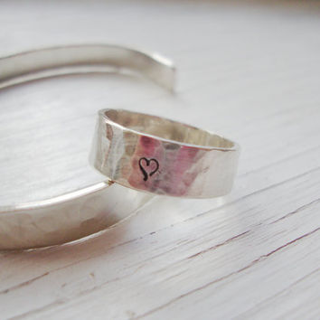 Simple heart stunning sterling silver band hammered true love ring promise ring