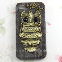 Owl Iphone 4 case, Iphone 4s Case, Iphone Case,Dark gray Iphone 4 cases, Vintage style owl with Brass Branch Hard Case Cover