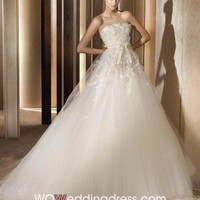 Floor-length Wedding Dress with Appliques