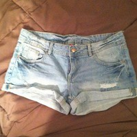 Divided by H&M Size US 8 Classic Light Wash Jean Shorts