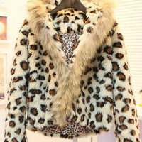 Leopard Hooded Short Coat$64.00