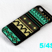 Classy Tribal Pattern iPhone 5 Scrub Case