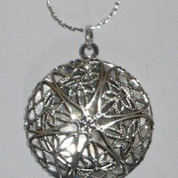 Round Silver Locket Necklace With Platinum Eighteen Inch Chain