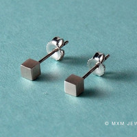 Tiny Cube Earrings by mxmjewelry on Etsy