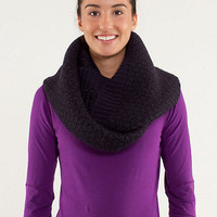 infinitely mad scarf | women's accessories | lululemon athletica