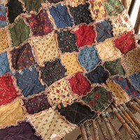 Rustic Cottage Rag Quilt - Lap Size, Old-Fashioned, Winter, Christmas Gift