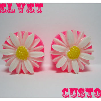 Daisy 125MM Plugs by VelvetCustom on Etsy