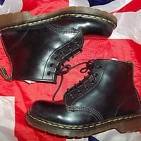 BN*England Made*Classic*Smooth Black Leather Dr Martens*6 Eyelet*Doc Martins*UK8