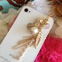 iPhone dust plug and charm-Multiple Gold chain with charm