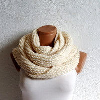 Knitted infinity Scarf. Block Infinity Scarf. Loop Scarf, Circle Scarf, Neck Warmer. Cream ivory Crochet Infinity