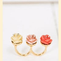 Row of Roses Ring in Size 6 - Francesca&#x27;s Collections