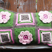 Water Lily crochet accent pillow, throw pillow, decorative pillow, Ready to ship.