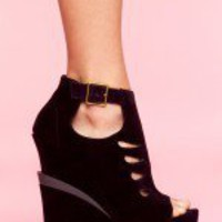 Garcelle Cutout Wedge - Wine Velvet - NASTY GAL