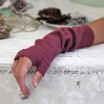 rug up arm warmers in mauve - $14.99 : ShopRuche.com, Vintage Inspired Clothing, Affordable Clothes, Eco friendly Fashion