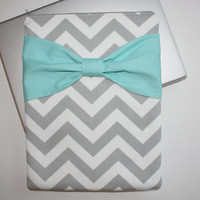 MacBook Pro, MacBook Air Sleeve / Case - Gray Chevron with Turquoise Bow - Double Padded