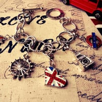 Union Jack Heart London Bracelet - British / English Flag Impression - T-Bar Lock