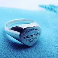 TIFFANY & Co STERLING SILVER HEART SIGNET RING, Size 7