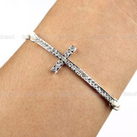 Diamonds Cross Bracelet -Bright diamond jewelry bracelet,wax attachment bracelet, the most sincere gift
