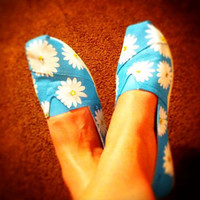 TOMS shoes  Hand Painted turquoise daisy by conchetts on Etsy