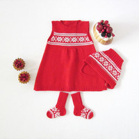 Knitted baby dress and socks with jacquard, in red and off white. 100% wool. Ready to ship size 0/3 months. Christmas.