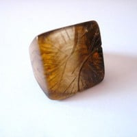 Square red resin ring , womens resin ring jewelry square ,  brown feather ring - by topazturtle on madeit